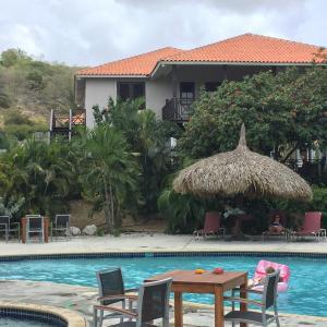 Hotel Pictures: Villa at the Beach, Blue Bay Golf & Beach Resort, Blue Bay
