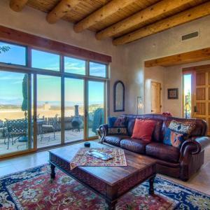 Hotellbilder: Bishops Lodge Villa Corazones Three-bedroom Holiday Home, Santa Fe