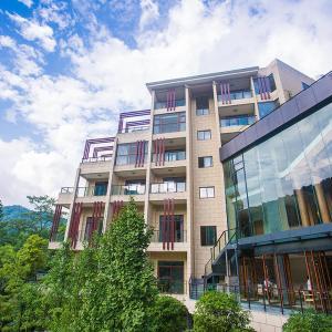 Hotel Pictures: Emeishan Qiliping Peninsula Hotel, Emeishan