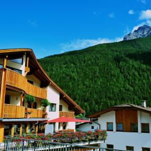 Foto Hotel: Adler Hotel-Pension, Fulpmes