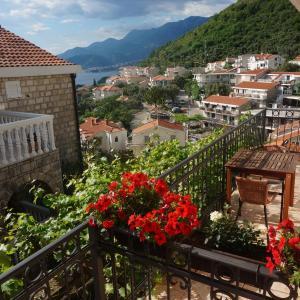 Hotel Pictures: Apartments Muhar, Sveti Stefan