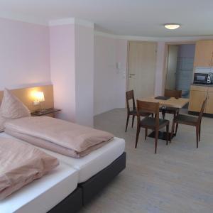 Hotel Pictures: Wein- Appartements Borth, Bretzfeld