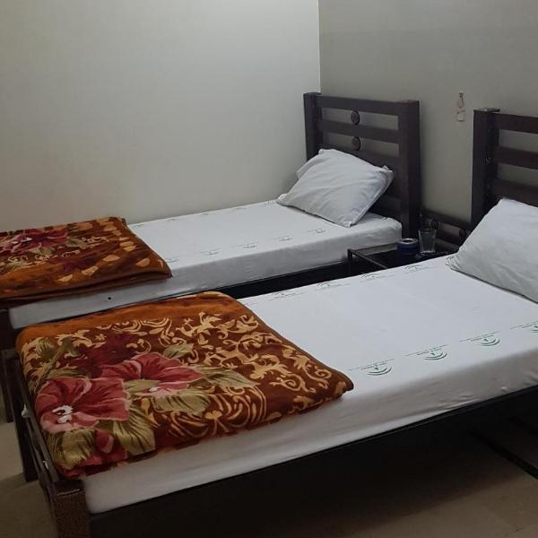 pokoje hotelowe na randki w Karaczi pływanie anime randka symulacja bardzo beta do pobrania