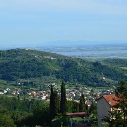 Corsanico-Bargecchia 86 hotéis