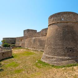 Manfredonia 114 hotéis