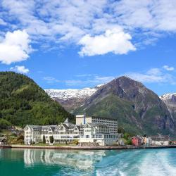 Balestrand 16 khách sạn