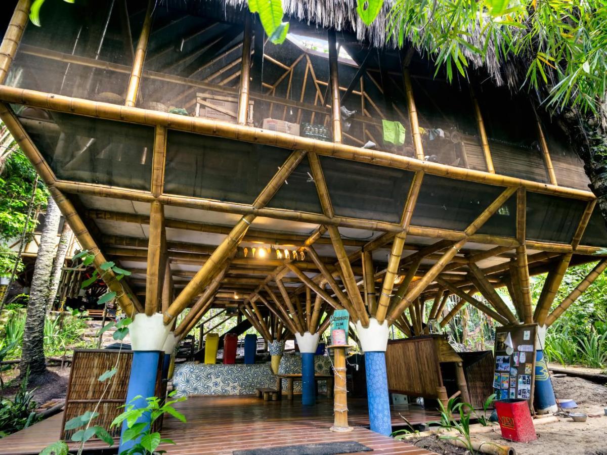 303 Avaliações Reais do Hostel Universo Pol Bamboo Hostel  864bc2c8f5f