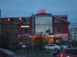 Land Hotel