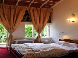 Room in a farmhouse on Observatory Road, Kodaikanal, by GuestHouser 22030