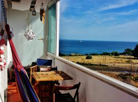 Charming apartment with sea view, Oeiras