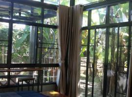 Bann Rai Klai Weang Homestay, Ban Muang Chum (in de buurt van Ban Ton Lung)