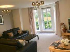 Sandringham House Luxury Apartment, Alwoodley, Leeds