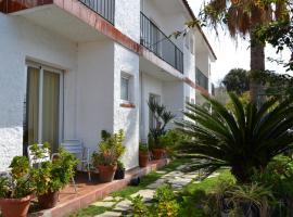 Los 10 mejores hoteles que aceptan mascotas en Canet de Mar ...