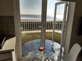Swansea Beachfront Apartment