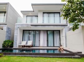 The Point Villa 3BR with private pool - SABINA Da Nang