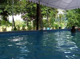 Sunrise Riverside Pool Hostel