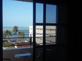 Amplo apartamento em Manaíra