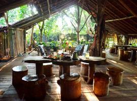 Pui Lodge and Tour