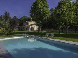 Porrena Alta Villa Sleeps 12 Pool WiFi