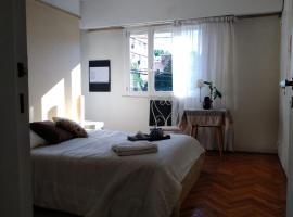 Dormitorio La Lucila Vte Lopez sol&tren