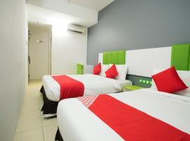 OYO 1003 Rich Calton Hotel