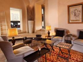 Hotel Adriano