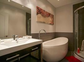 Classy Comfortable Condo and Basement, Montreal
