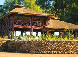 Davinci Gorilla Lodge