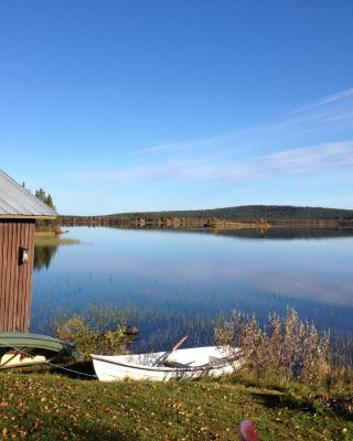 Lakeside House in Lapland