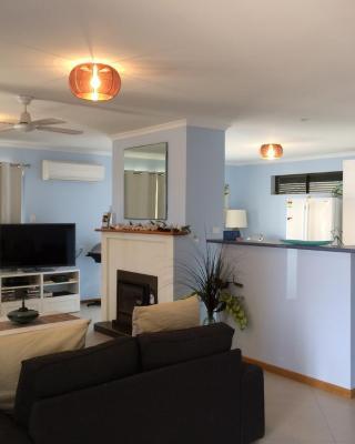 Salty Air Apartments Kingscote Kangaroo Island