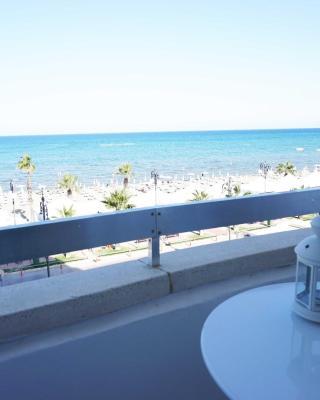 Lazuli Beachfront Apartment 21