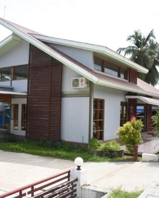 Happy Chaungtha Motel