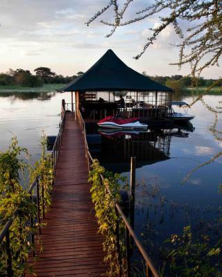 Taranga Safari Lodge