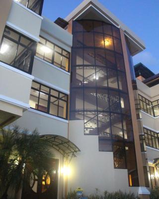 Murmar's Le Pram Hotel
