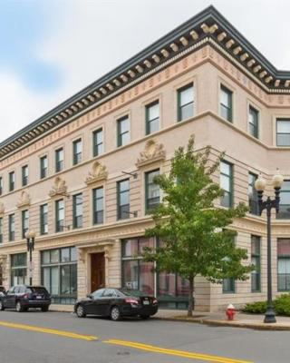 Awesome Lower Level Apartment near Boston