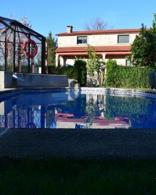 Casa Rural Os Carballos (Espanha Outeiro) - Booking.com