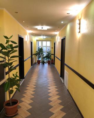 Guest Hotel Platan