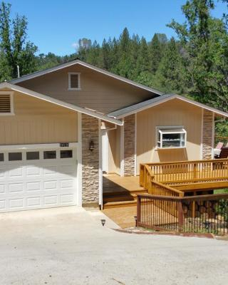 Quiet retreat near Yosemite and Pine Mountain Lake
