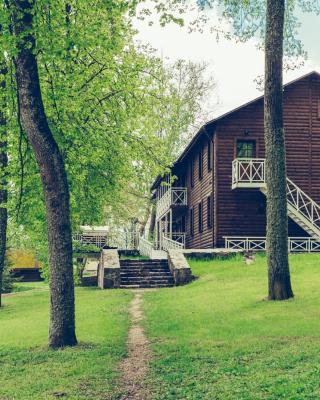 Imeniye Altun Lake House