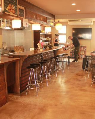 Hostel & Cafe Backpackers Miyajima