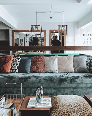 Hostel 325