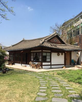 Ginkgo Tree Guesthouse
