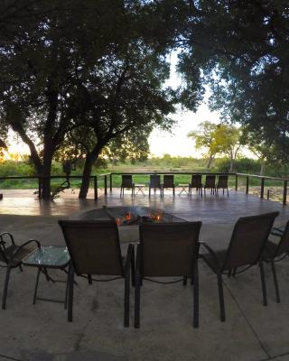Senalala Luxury Safari Camp