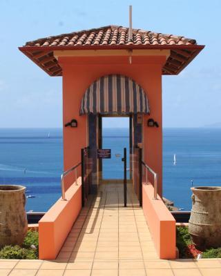 Martinique Whitsunday Resort
