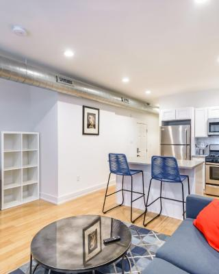 RAI Properties · New and Modern 2 Bedroom apt by Convention Center
