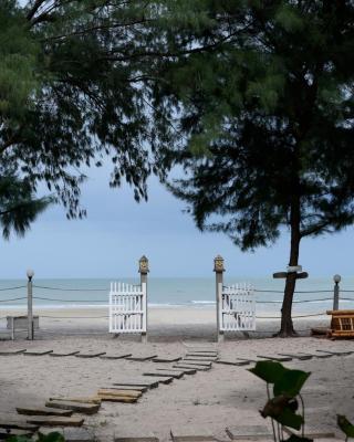 Baan Kratom Tong by the sea