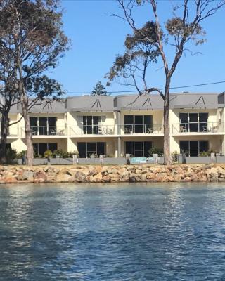 Merimbula Lake Apartments