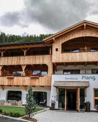 Plang Farmhouse