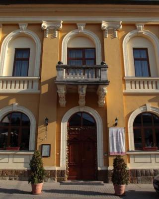 Mádi Kúria Hotel