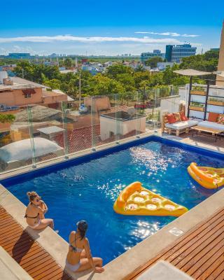 Nomads Hostel & Bar Cancún